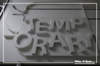 Temporary-scritta-in-rilievo