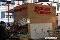 Mercato-del-Carmine-scritte-in-rilievo
