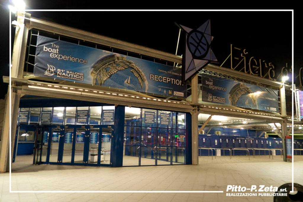 Nautico 2011: striscioni traforati biglietteria.