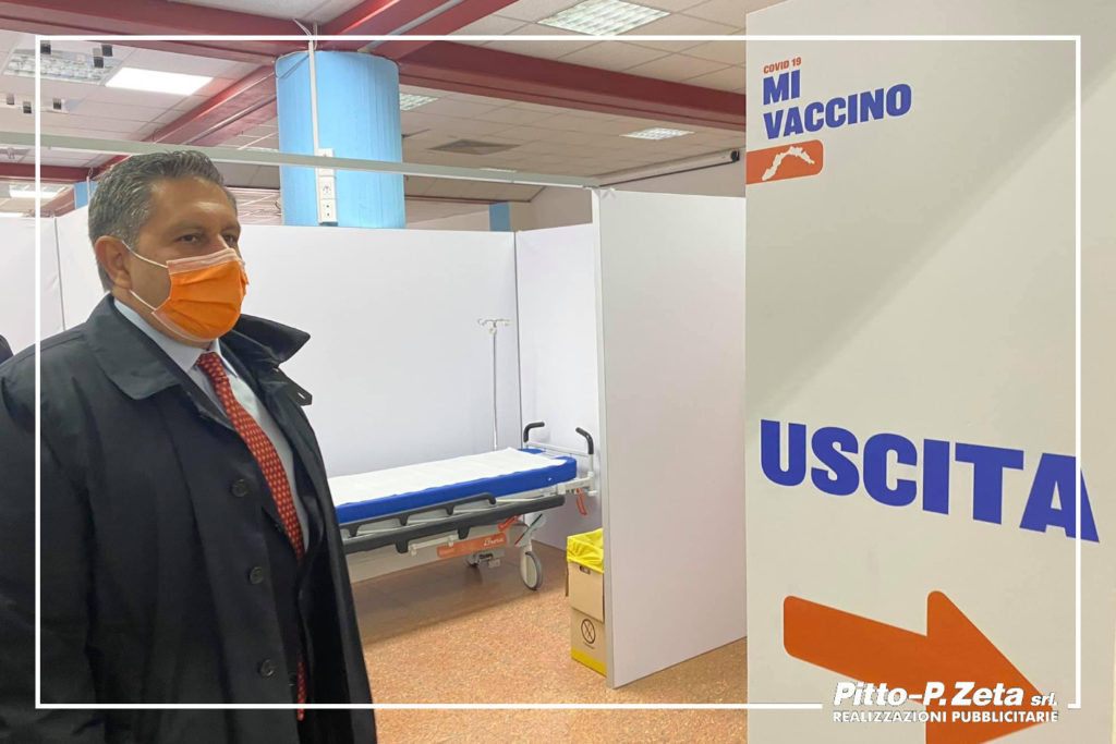 pannello_visita Presidente Toti_centro vaccinazioni Chiavari